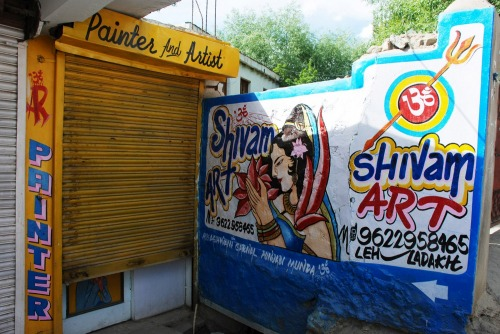 Wayfinding and Typographic Signs - shivam-painters