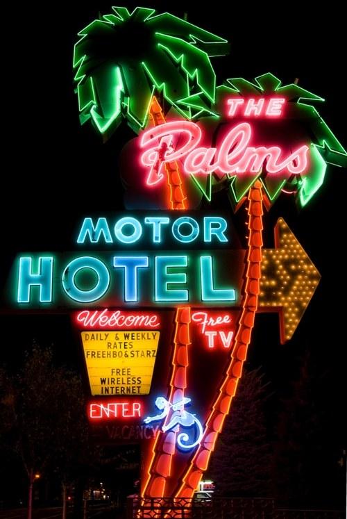 Vintage Signage - The Palms Motor Hotel
