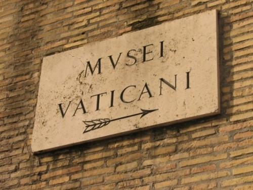Wayfinding and Typographic Signs - vatican-entrance