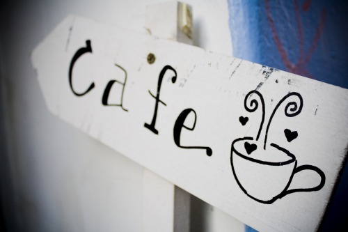 Wayfinding and Typographic Signs - enter-the-cafe