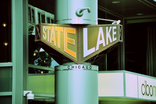 Wayfinding and Typographic Signs - state-&-lake