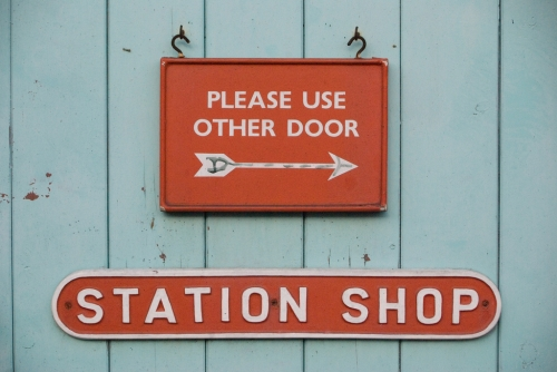 Wayfinding and Typographic Signs - station-shop