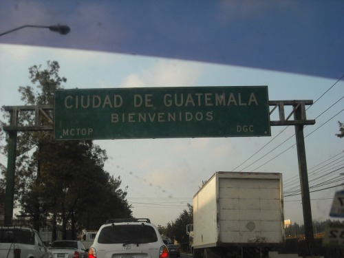 Wayfinding and Typographic Signs - cuidad-guatemala