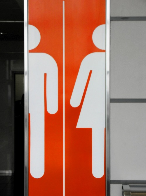 Wayfinding and Typographic Signs - pit-stop