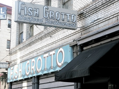 Wayfinding and Typographic Signs - fish-grotto2