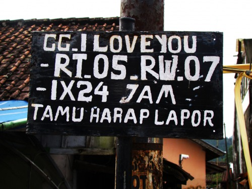Wayfinding and Typographic Signs - i-love-you