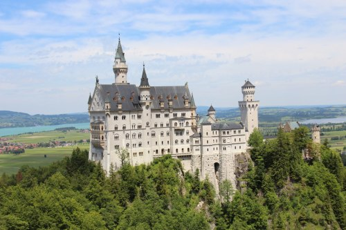 07-responsive-image-example-castle-0-opt