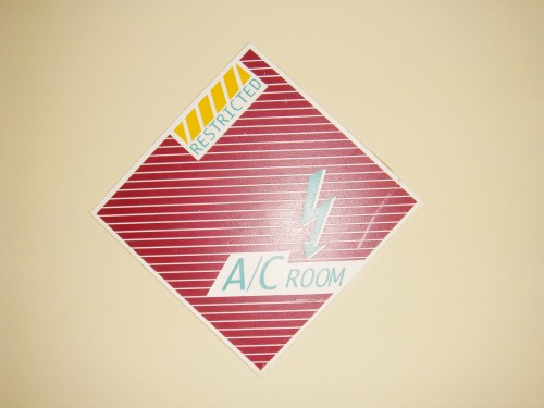 Wayfinding and Typographic Signs - aircon-room