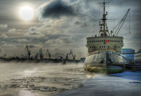 HDR Photos - City at 60 degrees North / Icebreaker Krasin