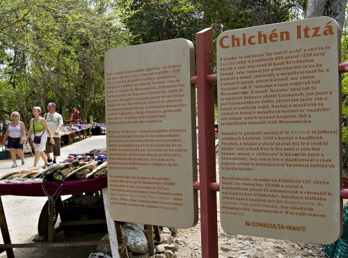 Wayfinding and Typographic Signs - chichen-itza1