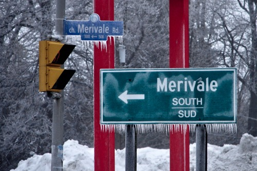 Wayfinding and Typographic Signs - canadian-weather-sineage