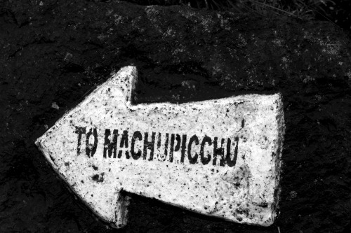 Wayfinding and Typographic Signs - machupicchu