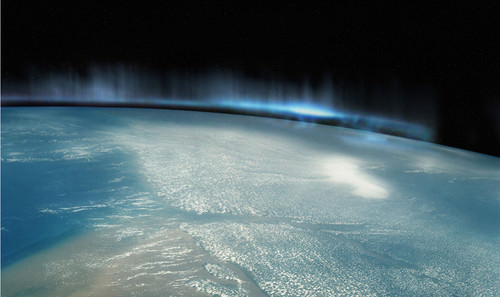Mind-Blowing Photos - Digg - Northern lights as seen from space (Pic)